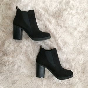 American Eagle Women's Ankle Boots Chunky Heel 7.5